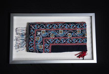 Rapatriement d'un artefact cri à Oujé-Bougoumou